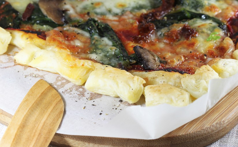 Pizza szpinakowa na cieście francuskim