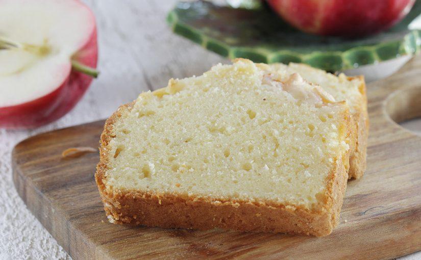 Proste ciasto ucierane z jabłkiem