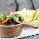 Wołowina pieczona z warzywami