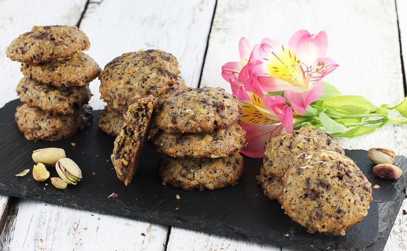 Ciastka z pistacjami i gorzką czekoladą